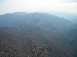 治田峠から銚子・静・竜の稜線