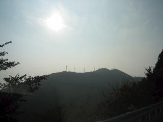 風車と太鼓山