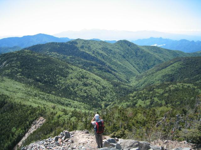 甲武信ヶ岳から西側を望む