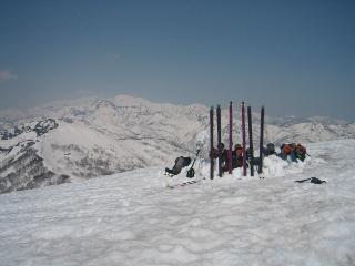スキーのグループのイグルー