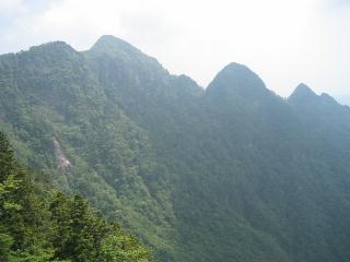 日本ヶ岳〜大普賢岳のコブ