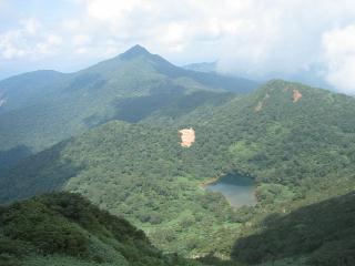 旭岳と鏡ヶ沼