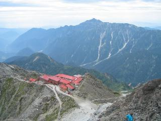 槍ヶ岳山荘と笠が岳