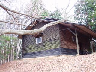 五本杉の避難小屋