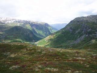 峠からフィヨルド方面