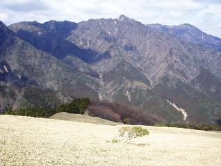 北の頭から鎌ヶ岳方面