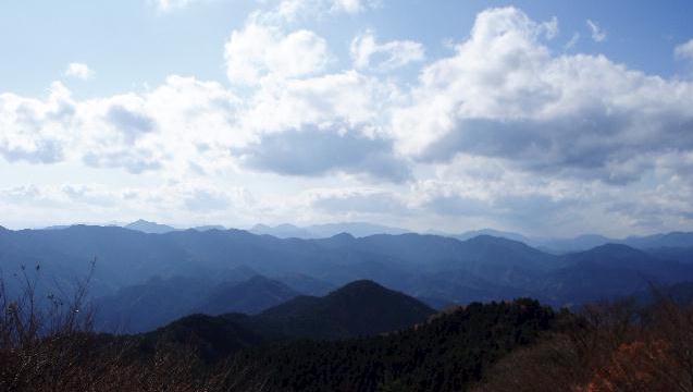 堀坂山から西の山々