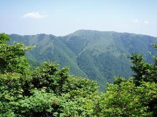 静ヶ岳から竜ヶ岳を望む