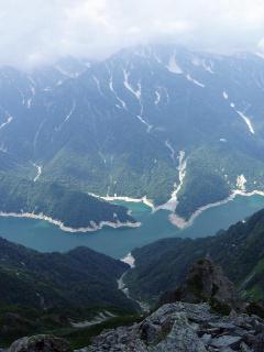 黒部湖と立山