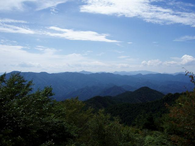 堀坂山から西側を望む