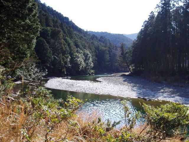 芦谷道から大内山川