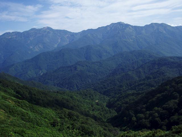 赤兎山から白山・別山を望む