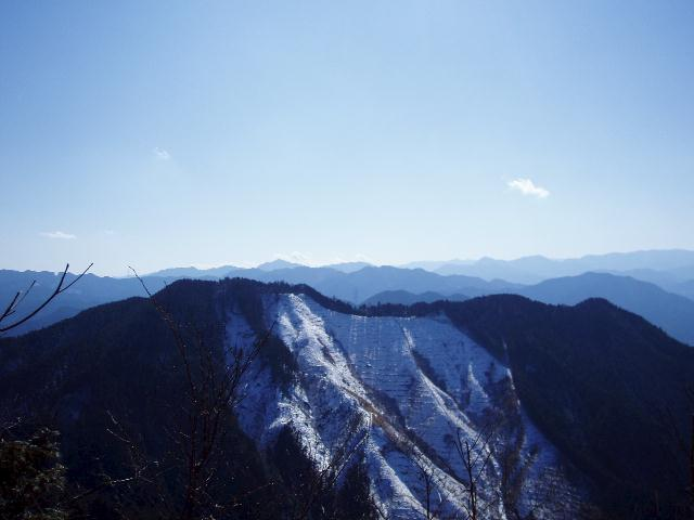 矢頭山から西を望む