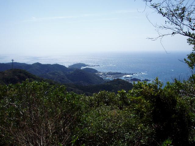 長井坂から枯木灘を望む
