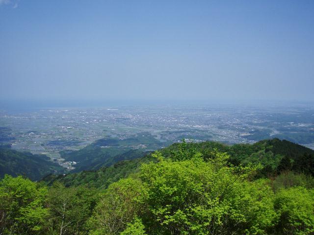 堀坂山から東を望む