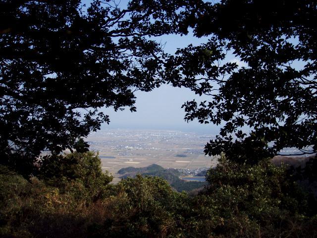 椎の木城跡から東を望む